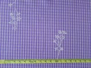 Fiala - fialová šatovka s bílým vzorem