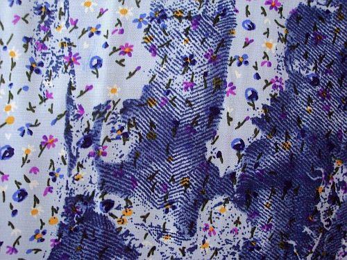 Lorinka - modrá kvítek s modromodrým vzorem