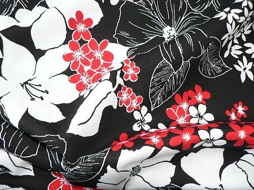 Maruška - černobíločervený úplet květy