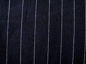 Sandra - černá kostýmová látka s proužkem