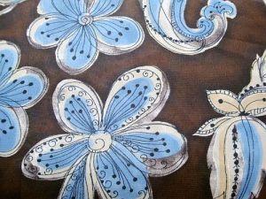 Sára - hnědá modrý květ