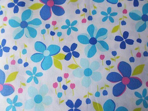 Čikitka - bílomodrá bavlna s květy 150x90cm - kus