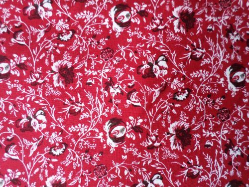 Ferny - vínová s jemným květem - panel Rilay Blake