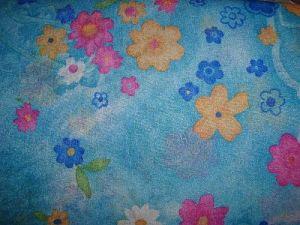 Isabela - modrá elastická látka vzor