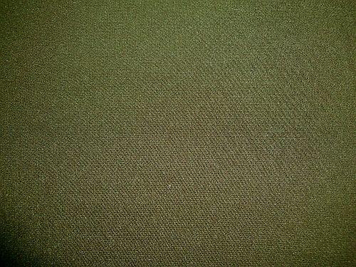 Isolda - tm. zelená (khaki) kostýmová látka