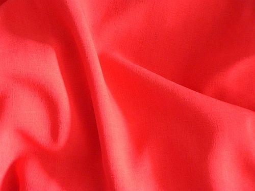 Pery - červená halenková látka