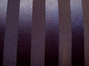 Saturka - černá saténová látka s pruhem