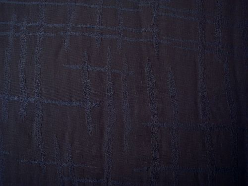 Věrka - černá halenková látka se vzorem