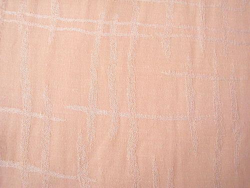 Věrka - meruňková halenková látka se vzorem