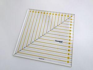 Čtvercové pravítko Patchwork 8x8 Inch