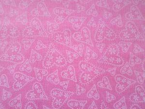 Gracie - růžová bavlna s krajkovými srdíčky