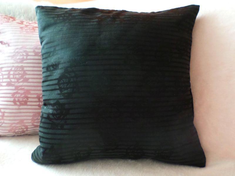 Povlak na polštář 40x40cm - černý proužek