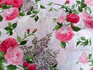 Bavlněná smetanová látka s růžemi
