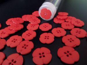 Knoflík červený čtyřlístek
