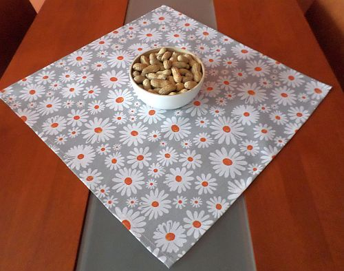 Kopretina - čtvercový ubrus na stůl 50x50cm