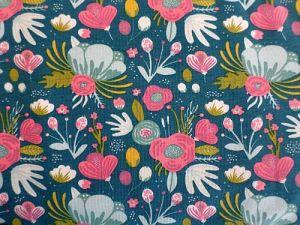 Medy - modalový úplet s květy