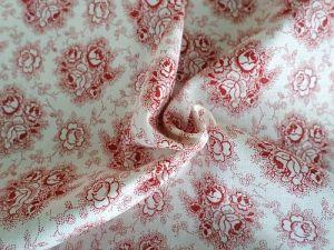 Bílá bavlna s červeným potiskem květů