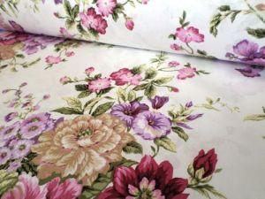 Selly - smetanová bavlněná látka s květy