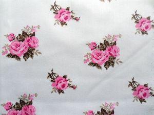 Bavlněný satén IRINA bílý s růžovými květy