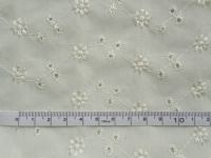 Madeira - smetanová bavlna s výšivkou